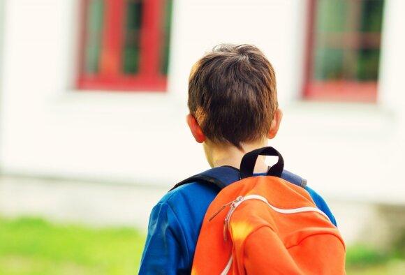 Psichologė pažėrė vertingų patarimų tėvams ir paaugliams: kaip pritapti naujoje mokykloje?