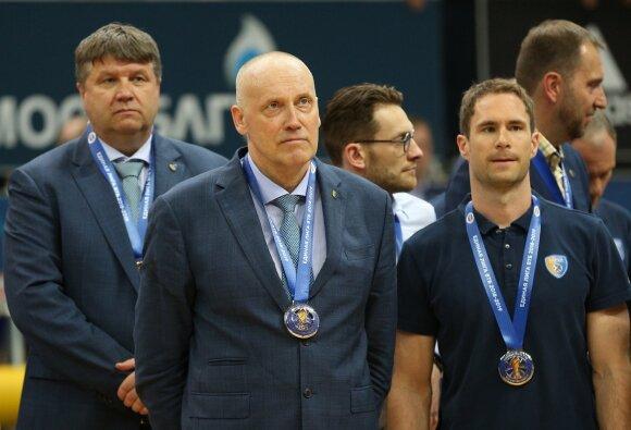 Robertas Kuncaitis (pirmas iš kairės), Rimas Kurtinaitis (antras iš kairės)