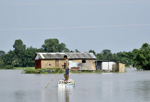 Bangaldeša plauna stichinės liūtys ir potvyniai