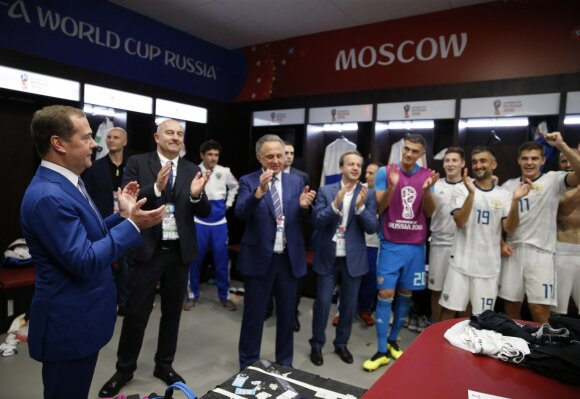 Po istorinės rusų pergalės – Putino skambutis: vyrai, jūs padarėte neįmanoma