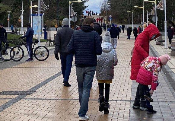 Множество людей в выходные собралось не только у елок, но и в Паланге