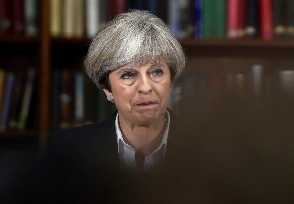 Prognozuoja niūrią Th. May politinę ateitį: po blogų metų – dar blogesni