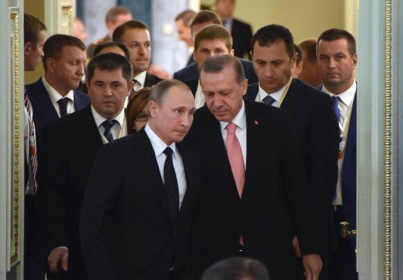 Pažeistas pasaulis stovi ant pasirinkimo slenksčio: A. Merkel ar V. Putinas?