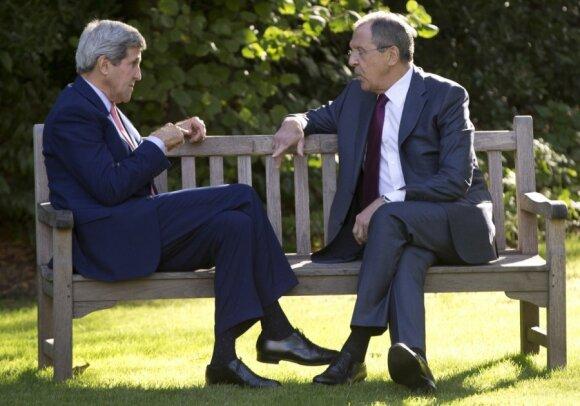 J. Kerry ir S. Lavrovas