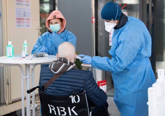 Painiava dėl koronaviruso plitimo: kada ir kur iš tikrųjų reikia saugotis