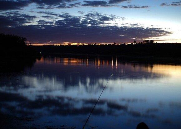 Žvejybos dugnine meškere Nemune akimirka