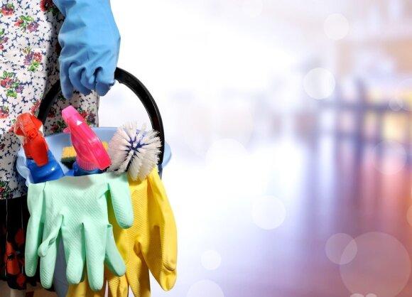Didžiausi užkratai namuose – dažniausiai liečiami paviršiai: kaip valyti durų rankenas ir stalviršius?