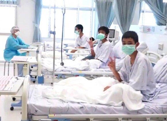 Paskelbtos pirmosios iš urvo Tailande išgelbėtų vaikų nuotraukos