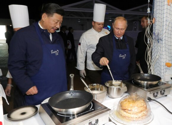 V. Putin and Xi Jingping