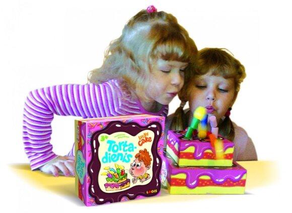 Stalo žaidimai padeda augti ir vaikams, ir tėvams