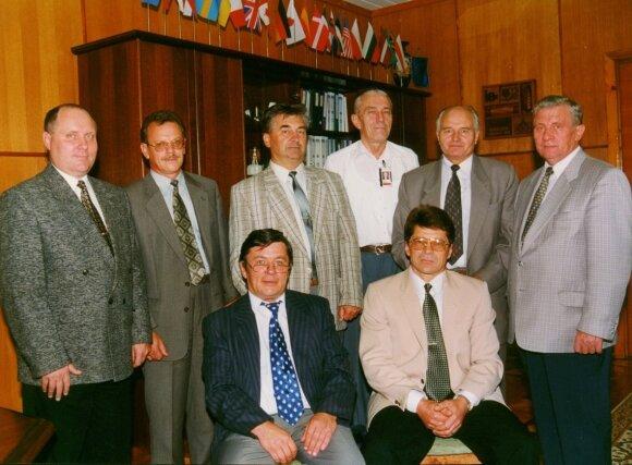 Viktoras Ševaldinas su kolegomis