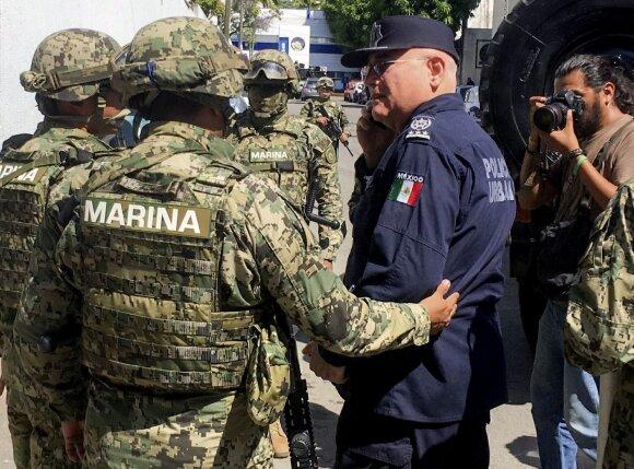 Akapulke policijos funkcijas laikinai perima kariuomenė