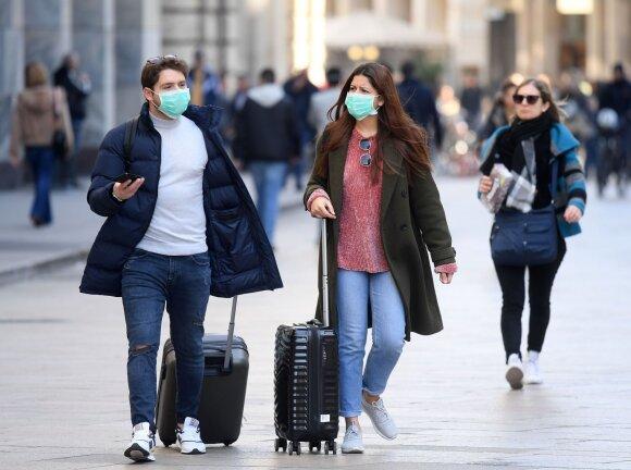 Nerimas dėl koronaviruso pavojaus auga: kai kuriuose skyriuose – pacientų apgultis