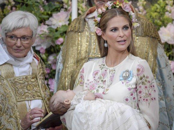 """Gražiausios akimirkos iš karališkųjų krikštynų Švedijoje <sup style=""""font-family: yui-tmp;"""">(FOTO)</sup>"""