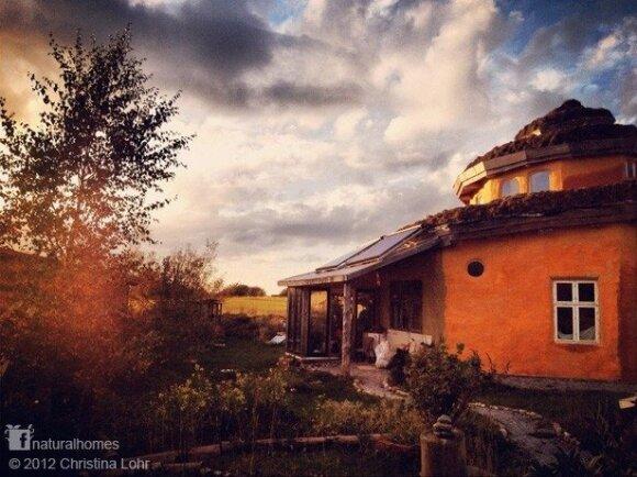 Kriauklės formos namas