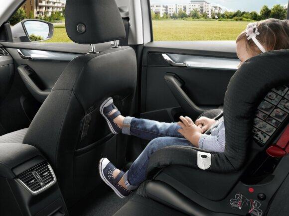 Vaikiška kėdutė automobilyje