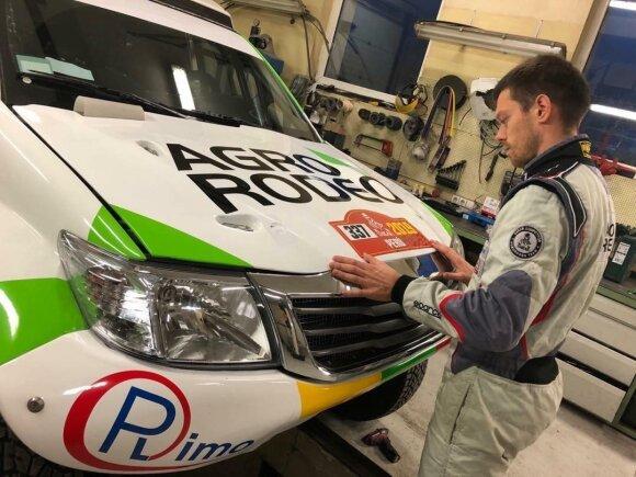"""Vaidoto Žalos ir Sauliaus Jurgelėno """"Agrorodeo"""" ekipažas gavo 337 startinį numerį 2019 Dakaro ralyje"""