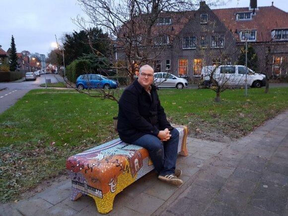 Nyderlanduose – Panevėžio pėdsakai: Aukštaitijos sostinės vaizdais papuoštas jai skirtas suolelis