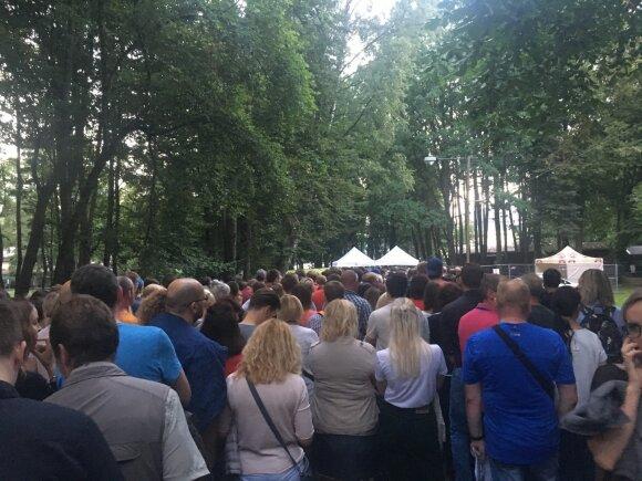 Žmonės eilėje