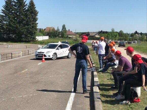 Tūkstančiai moksleivių susirungė saugaus eismo konkurse