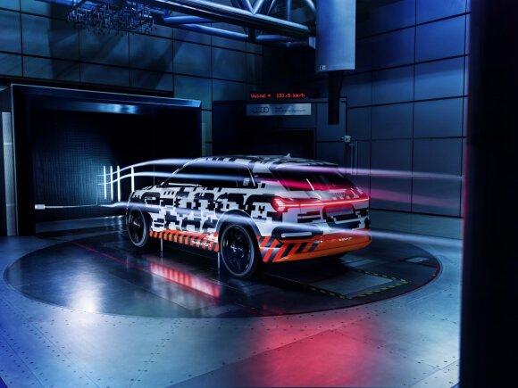 """""""Audi e-tron"""" bandymai"""