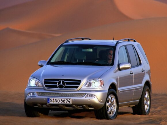 Mercedes-Benz ML 500 (2001 m.)