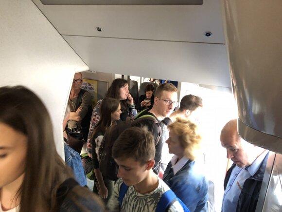 Stovintys keleiviai