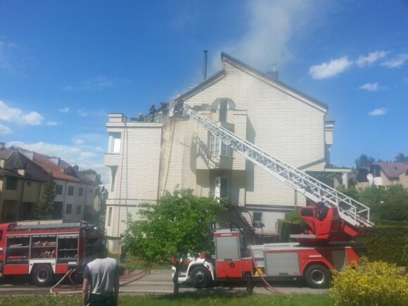 В Каунасе горел коттедж