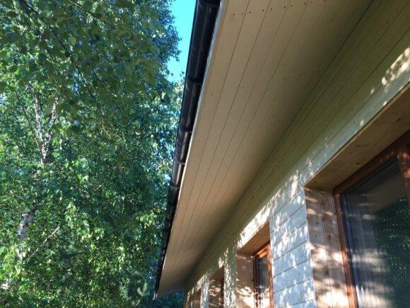 """<span style=""""color: #ff7f00;"""">Skaitytojo patirtis:</span> kaip pakalti stogą vienam ir kiek tai kainuoja"""