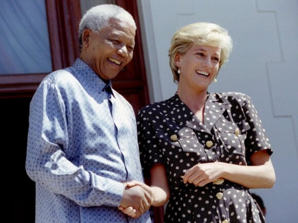 Mirė buvęs PAR prezidentas N. Mandela