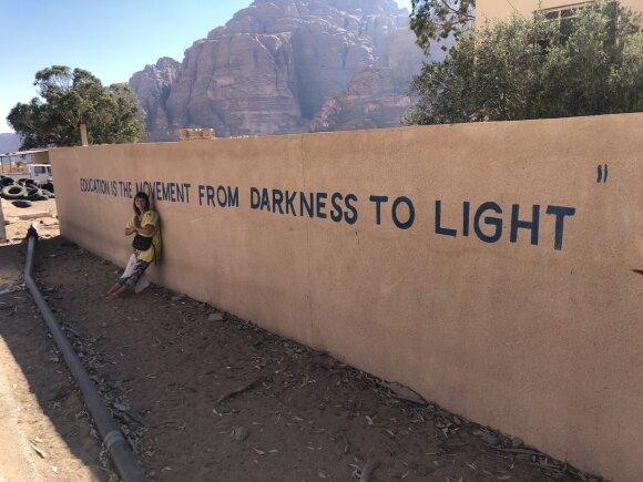 Švietimas yra kelias iš tamsos į šviesą