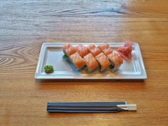 Japonų gaminamų sušių lietuviai nevalgytų: paruoškite tokius, kurie tiktų net ant šventinio stalo