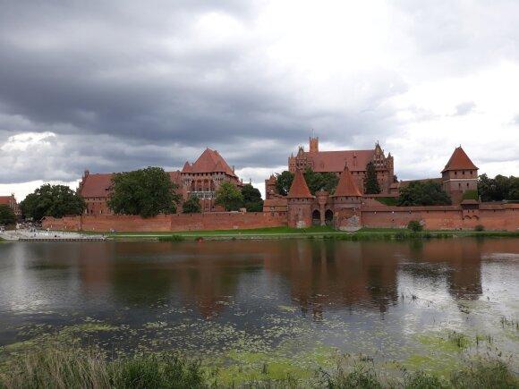 Baltijos vėrinio brangakmeniai: įspūdingas viduramžių pilis jau galima aplankyti ir virtualiai