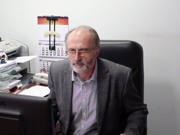dr. Bronislovas Gelvonauskis