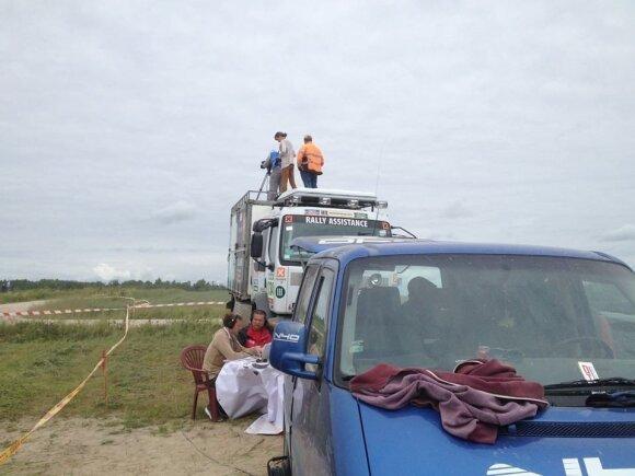 Filmavimo komanda ruošiasi