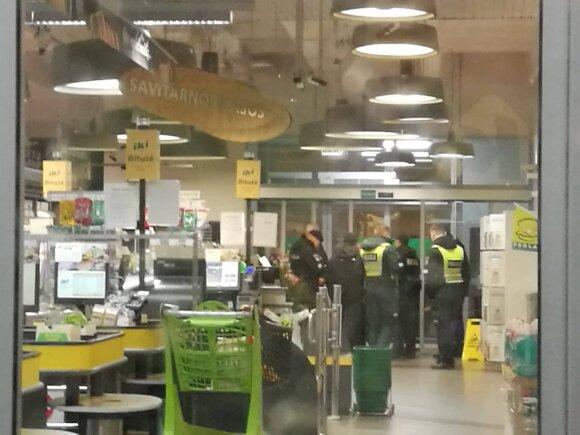 Klaipėdoje pranešta apie sprogimo grėsmę prekybos centre: evakuoti pirkėjai ir darbuotojai