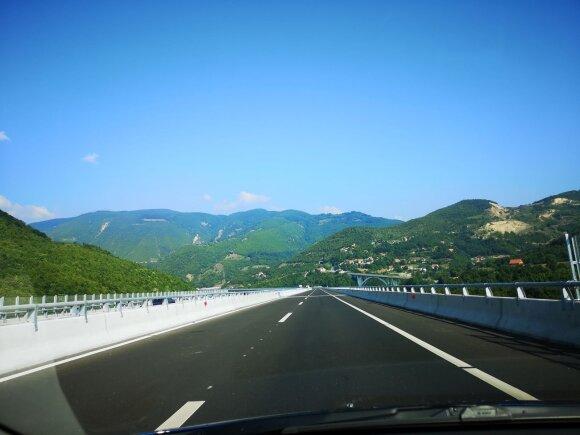 Kosove - puikūs keliai