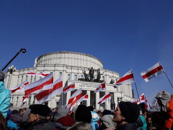 """Vilnius ne jūsų, o mūsų: kas atbaido kaimynus nuo žygio """"atsiimti"""" Lietuvos sostinę"""