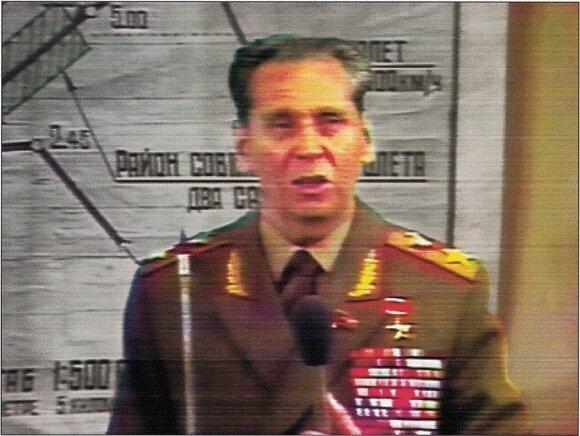 Generolas Nikolajus Ogarkovas per spaudos konferenciją po lėktuvo numušimo