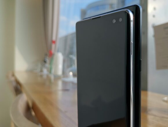 Samsung Galaxy Note 9 ir Samsung Galaxy S10+