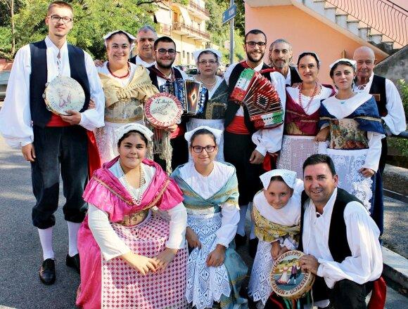 """Folkloro grupė iš Italijos """"Monte patulo"""""""