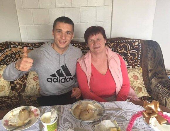 Vitalijus Vaitkevičius su mama