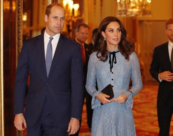 Kaip gimdo karališkose šeimose ir kokias tradicijas sulaužė princesė Diana bei Kate Middleton