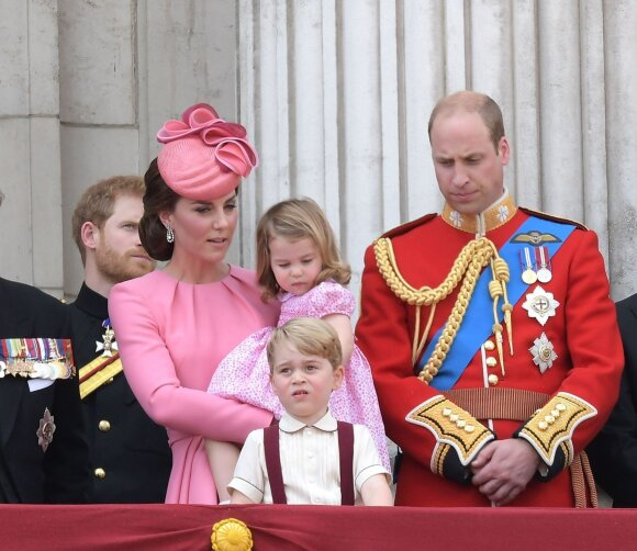 Karališkieji mažyliai ruošiasi su tėvais į kelionę – bus visai šalia Lietuvos