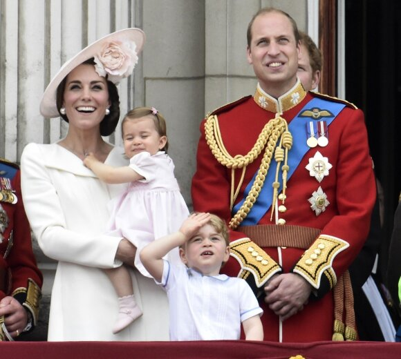 Dėmesio centre vėl atsidūrė mažieji princas ir princesė