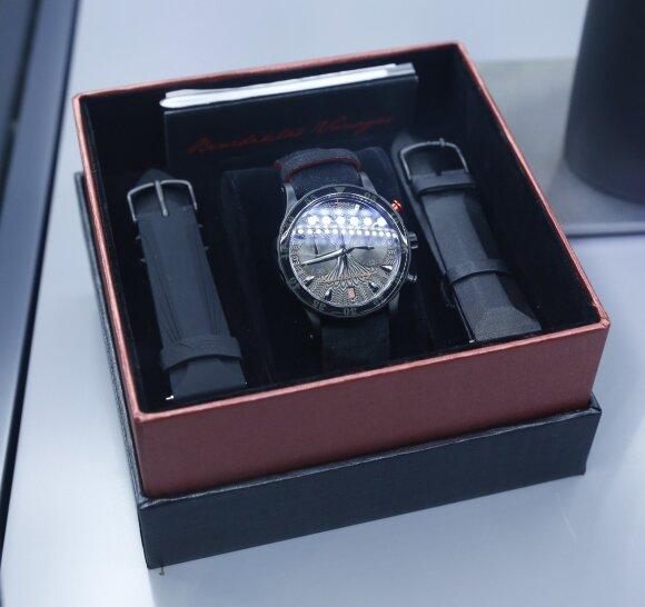 Benediktas Vanagas sukūrė laikrodį šiuolaikinei veikliai moteriai (FOTO)