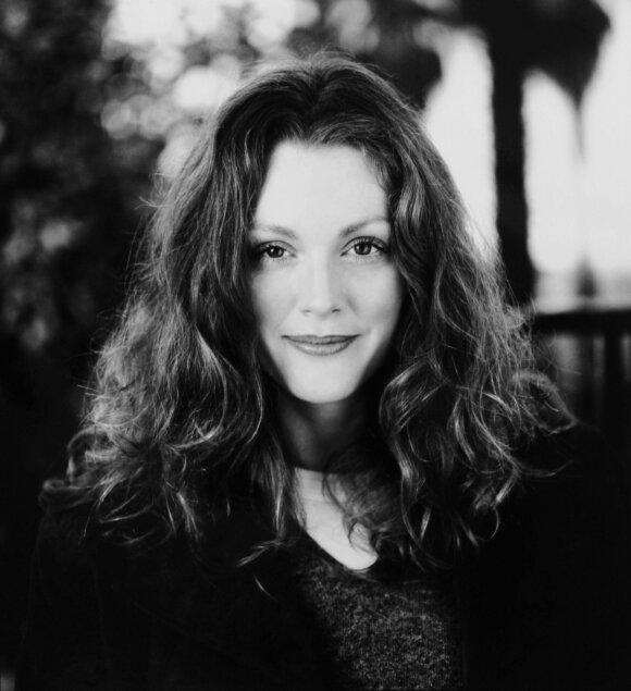 Julianne Moore 1998-aisiais