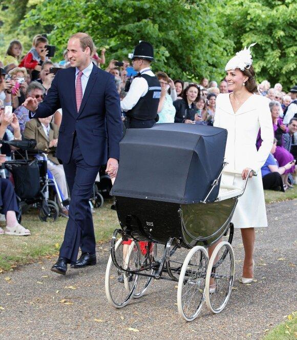 Gydytojai atskleidė naujų detalių apie Kate Middleton gimdymus