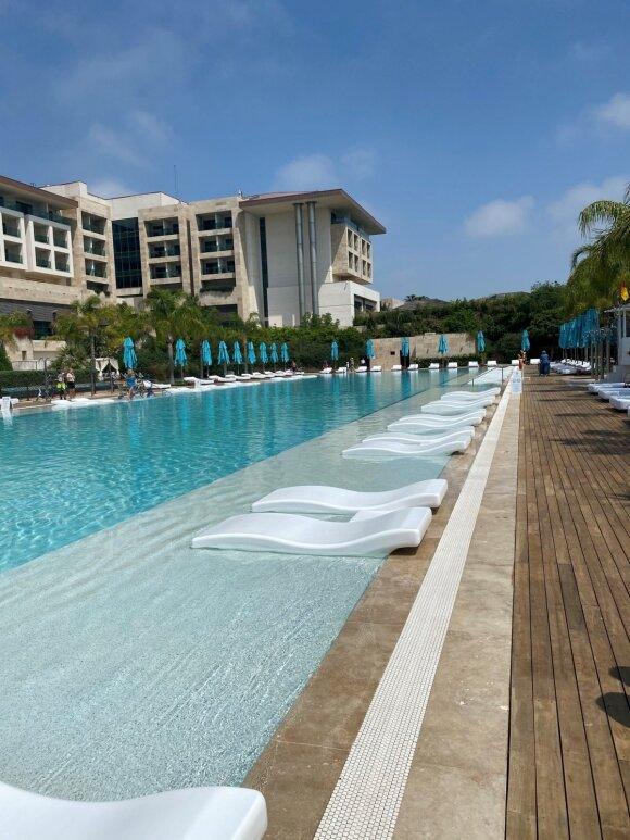 Kelionės sugrįžo: viešbučiai nebesutalpina visų norinčiųjų – kainos kyla