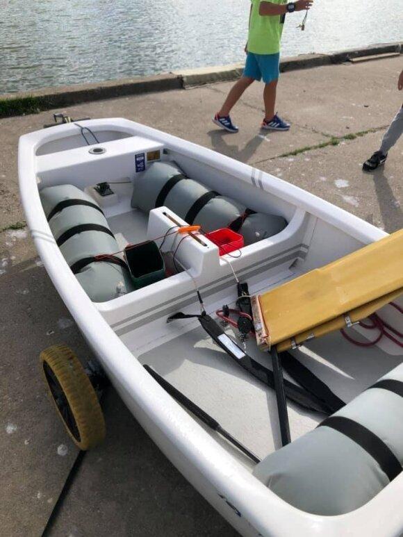 Nidoje naktį pavogta sportinė jachta, prašoma visuomenės pagalbos